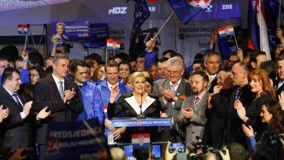 """Otvoren """"lov"""" na glasove umirovljenika..... počela kampanja za predsjedničke izbore"""