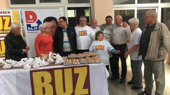 Podjela hrane na tržnici u organizaciji BUZ - a Garešnica